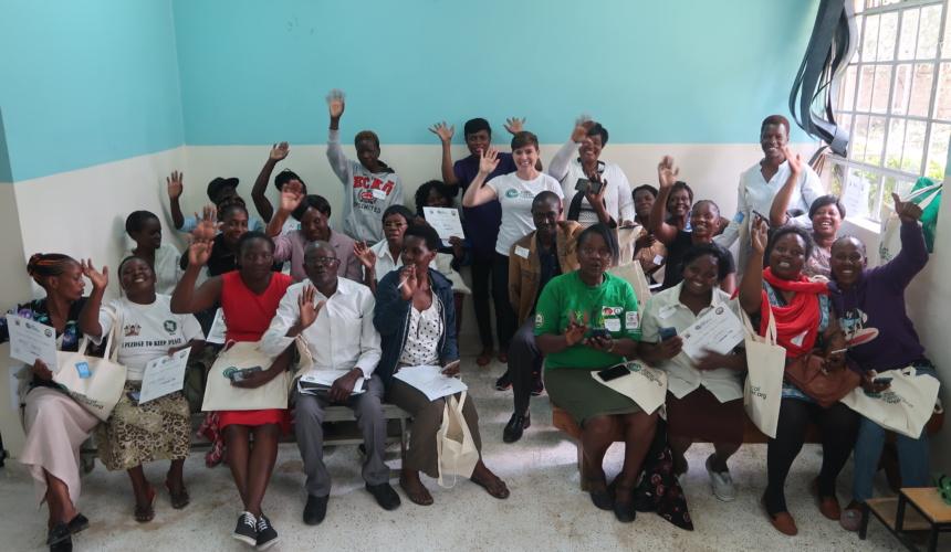 Training Community Health Volunteers in Nairobi, Kenya