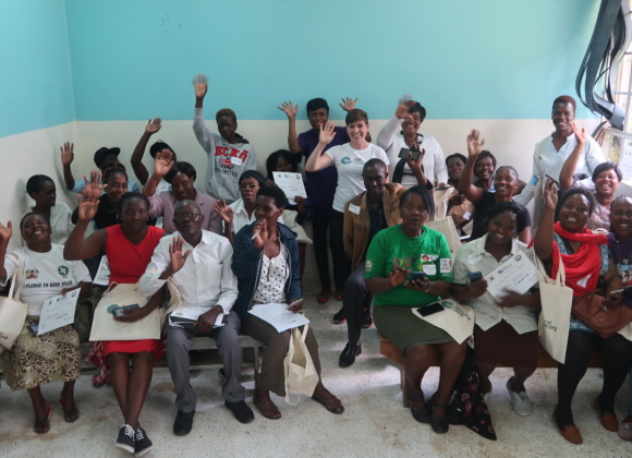 Training Community Health Volunteers in Nairobi, Kenya